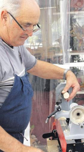 regionales handwerkern ber die schulter schauen nachrichten friedberg augsburger allgemeine. Black Bedroom Furniture Sets. Home Design Ideas