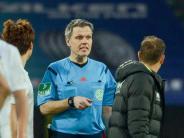 FC Augsburg: Augsburger mächtig sauer über Elfmeter-Pfiff