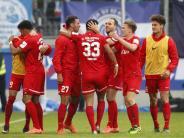 Fußball: Würzburg macht Aufstieg perfekt - Duisburg nun drittklassig