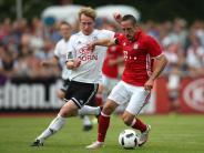 Fußball: FC Bayern feiert glanzlosen 3:0-Testspielsieg in Landshut