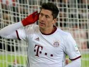 FC Bayern: Lewandowskis Kunstschuss rettet die Bayern
