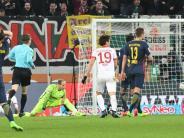 Kaum Fan-Proteste: Rasantes 2:2: Leipzig büßt Punkte in Augsburg ein