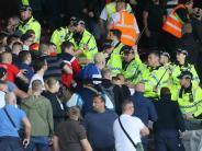 Aufstiegseuphorie adé?: Konfrontation zwischen Fans und 96 eskaliert