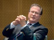 Chef der DFB-Ethikkommission: Kinkel zu hohen Fußball-Ablösen: «Nicht vertretbar»