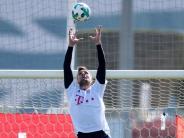 Trainingslager in Doha: Ulreich beim FCBayern wieder im Torwarttraining