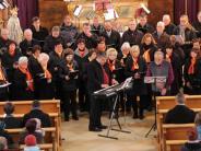 Konzert: Mit Chor und Blasmusik