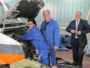 Krumbach/Dürrlauingen: Nach der Flucht repariert er nun Busse