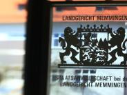 """Kreis Günzburg: Schwiegermutter """"schaut böse"""": Sieben Stiche in Bauch und Hals"""