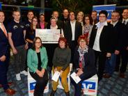 Gewinnsparen: Auszubildende spenden 10500 Euro für Soziales