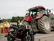 Kreis Günzburg: Motorradfahrer stirbt nach Zusammenstoß mit Traktor