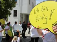 """Gesundheit: """"Zitrone ist ausgepresst"""": Unterschriften für mehr Klinikpersonal"""