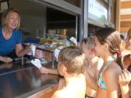Burgau: Fleischküchlasemmel, Butterbreze und Wundertüte