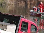 Gundelfingen/Günzburg: Ein Kleintransporter geht im Wünschsee unter