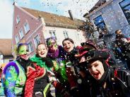 Burgau: Rosenmontagstreiben und Umzug in Burgau