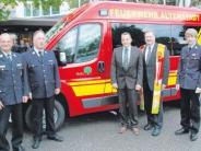 Feuerwehr: Pfarrer Jung lässt das Martinshorn ertönen