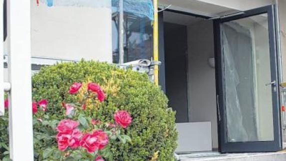 rathaus umbau rau kritisiert steigende kosten. Black Bedroom Furniture Sets. Home Design Ideas