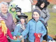 Unterroth: Mäschkerle ziehen von Haus zu Haus