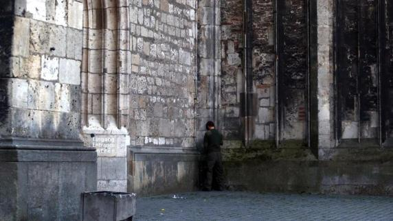 Ulm: Wildpinkler zerstören weiter das Ulmer Münster
