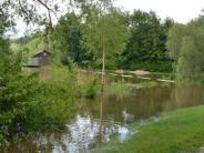 Babenhausen/Unterroth: Starker Regen lässt Bäche und Weiher über die Ufer treten