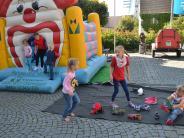 Illertissen: Spielenachmittag für Familien bei schönstem Wetter am Illertisser Schrannenplatz