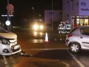 Polizei: Zwei Verletzte bei Zusammenstoß