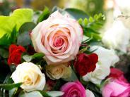 Illertissen: Gottesdienst, Rosen und Candle-Light-Dinner für Paare