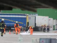 Neu-Ulm: 900 Liter Salzsäure ausgelaufen: Großeinsatz bei Neu-Ulmer Firma