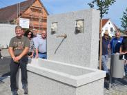 Unterroth: Löwen wachen nun am Brunnen