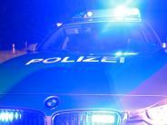 Landkreis Traunstein: Unbekannter wirft Pflasterstein von A8-Brücke und trifft Auto