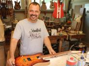 Jedesheim: Gitarrenbauer aus Jedesheim hat derzeit viel zu tun