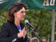 Wahlkampf: Ilse Aigner spricht im Biergarten