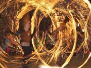Memmingen: Einkaufsbummelund Feuershow in Memmingen