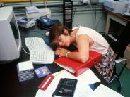 Schlafen: Smartphone soll für Schlafstörungen von Millionen Deutschen verantwortlich sein