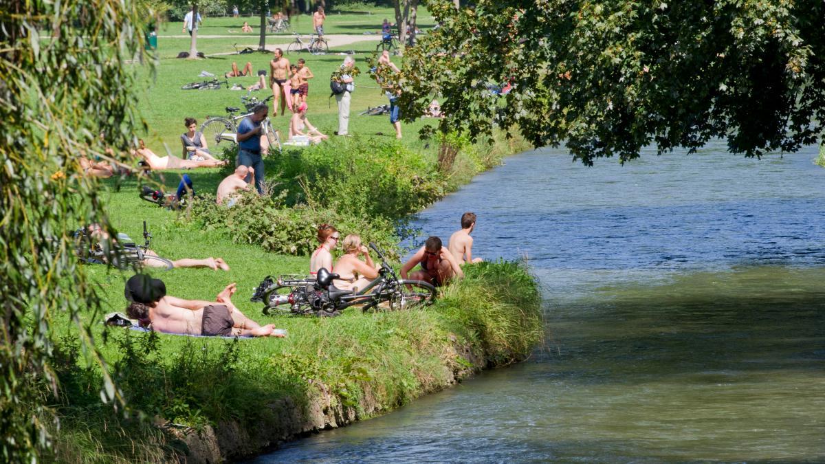 München: Brandleiche im Englischen Garten: Polizei sucht ...