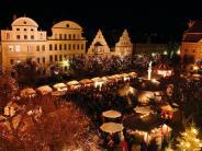 Neuburg: Neuburg: Christkindlmarkt auf dem Karlsplatz 2017