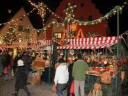 Nördlingen: Nördlingen: Weihnachtsmarkt mit Marktständen 2017