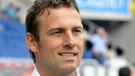 <b>Markus Weinzierl</b> ist sich der prekären Situation des FC Augsburg bewusst. - Markus-Weinzierl-Trainer-des-FC-Augsburg
