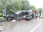 Aichach: B 300 nach Unfall gesperrt: Mann schwer verletzt