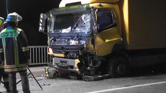 Rain am Lech: 49-Jährige bei Unfall schwer verletzt - B16 vorübergehend gesperrt - Augsburger Allgemeine