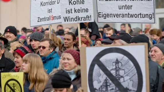Stromtrasse: Kommentar zur Demo in Oettingen: Ein Gegner verbindet - Augsburger Allgemeine