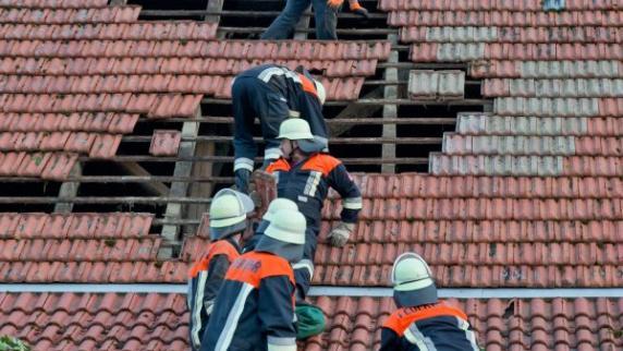 Freystadt: Nur fünf Sekunden: Windhose beschädigt Häuser in der Oberpfalz