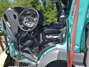 A99 bei München: 42-jähriger Lkw-Fahrer in Führerhaus eingeklemmt