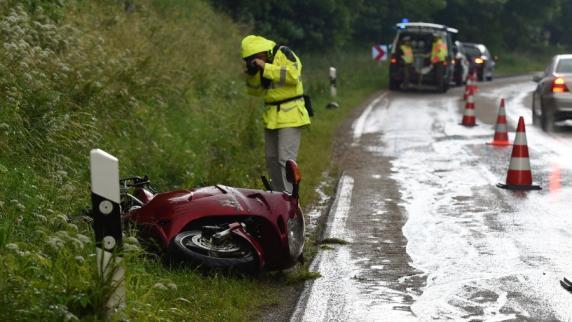 Kreis Augsburg: Motorradfahrer stirbt nach Unfall