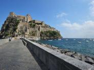 : Vulkangipfel und heiße Quellen: Wandern und Baden auf Ischia