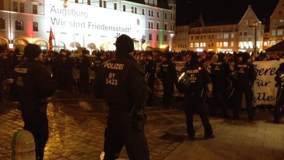 Augsburg: 2000 Menschen protestieren gegen AfD-Chefin Petry in Augsburg