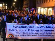 Gegen Fremdenhass: 1000 Kaufbeurer demonstrieren nach mutmaßlichem Brandanschlag