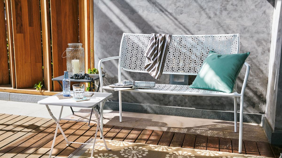 balkon pastell im osten windschutz im westen ideen f r. Black Bedroom Furniture Sets. Home Design Ideas