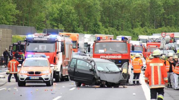 Kreis Eichstätt: Unfall auf A9: Zwei Kinder werden aus Auto geschleudert und getötet