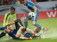 Fußball: Vom Regen in die Traufe: Länderspiel in Augsburg endet mit Niederlage