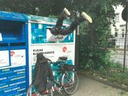 Bremen: Polizei holt zum zweiten Mal Mann aus Schrott-Container